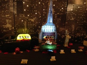 NYC skyline taxi excort table